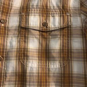 Banana Republic Shirts - Banana Republic heritage button up shirt
